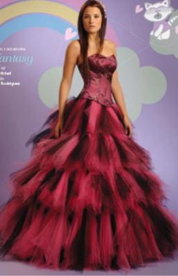 13 Vestidos originales para fiestas de 15 años (1)