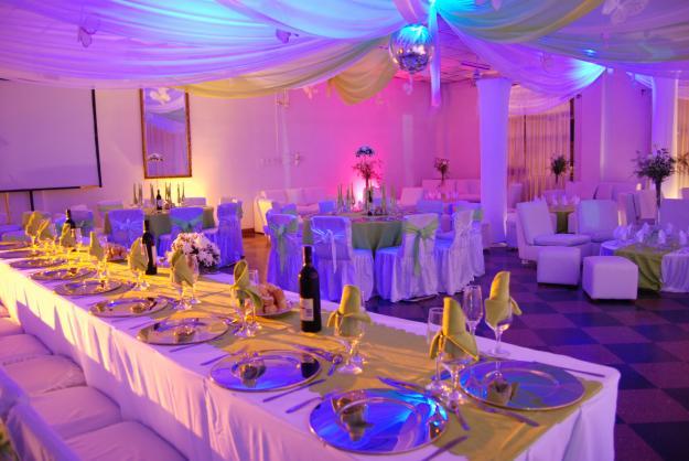15 ideas para decorar un sal n para fiesta de 15 todo for Como hacer una fiesta de 15