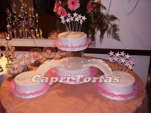 13 Hermosos pasteles para fiestas de 15 años (13)