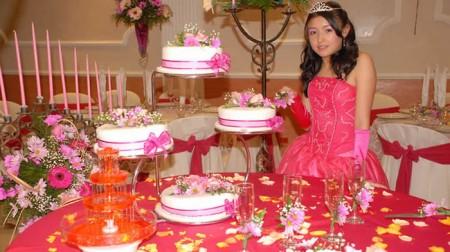 13 Hermosos pasteles para fiestas de 15 años (5)