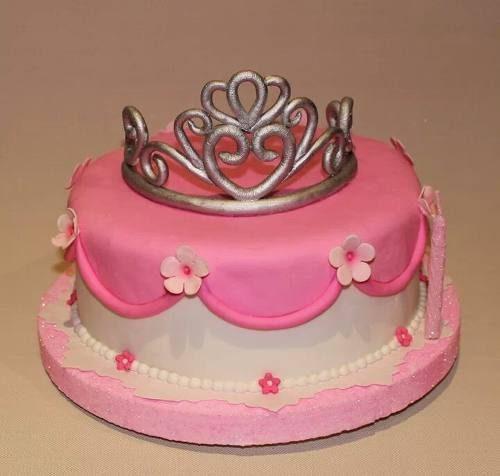 13 Hermosos pasteles para fiestas de 15 años (8)