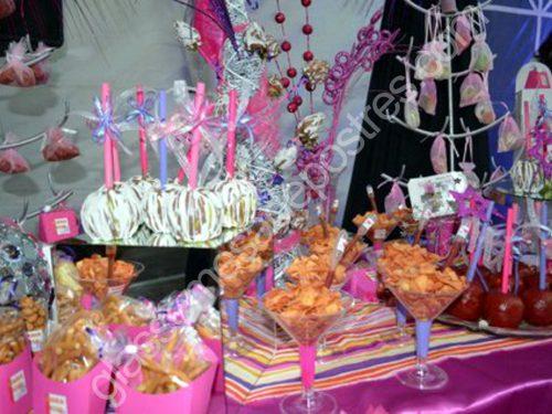 10 Hermosas mesas dulces para 15 años (2)