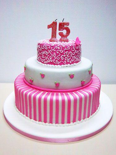 12 Originales tortas de 15 años (10)
