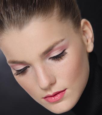11 Hermosos estilos de maquillaje para 15 años (8)