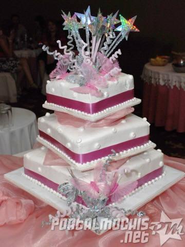 10 Pasteles decorados para quince años (5)