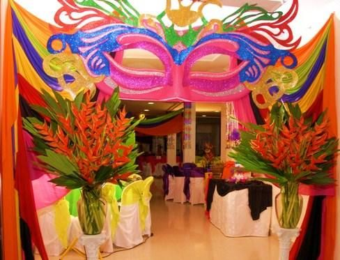 10 ideas para una decoración de 15 años de carnaval (2)