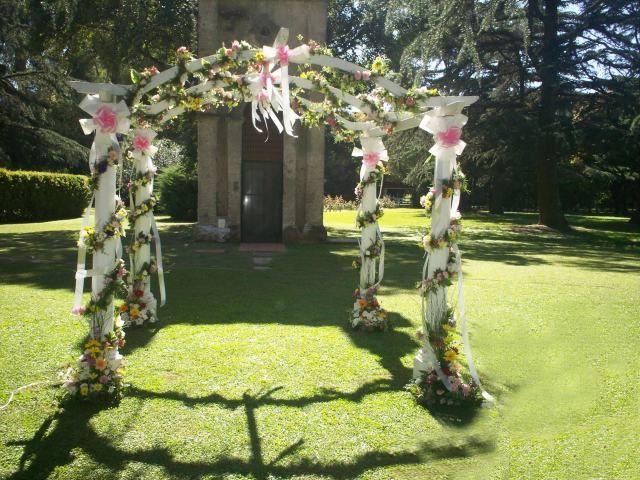 11 decoraciones de fiestas de 15 a os al aire libre todo for Arreglos de parques y jardines